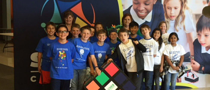 HEB ISD: Bedford Heights and Stonegate Students Host Popular STEAM Carnival Booth at Region XI