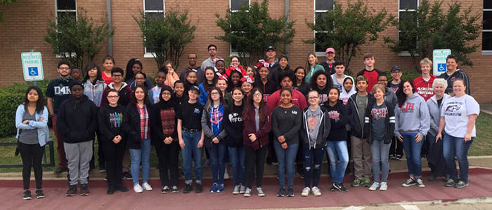 HEB ISD: Euless Jr. High Students & Staff Partner with Community Clean-up Project