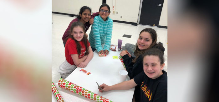 HEB ISD: Harwood Junior High StuCo and NJHS Wrap Donation Presents
