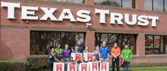 Texas Trust Credit Union Holds Food Drive for Mission Arlington